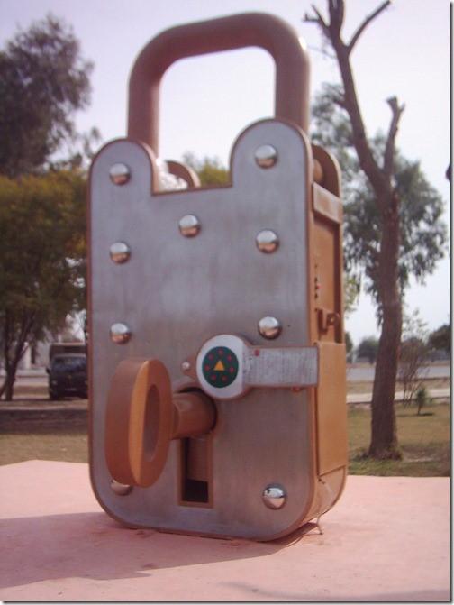 free standing padlock